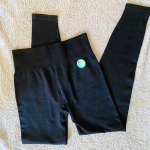 PINK Seamless Leggings Best Butt Black NWT